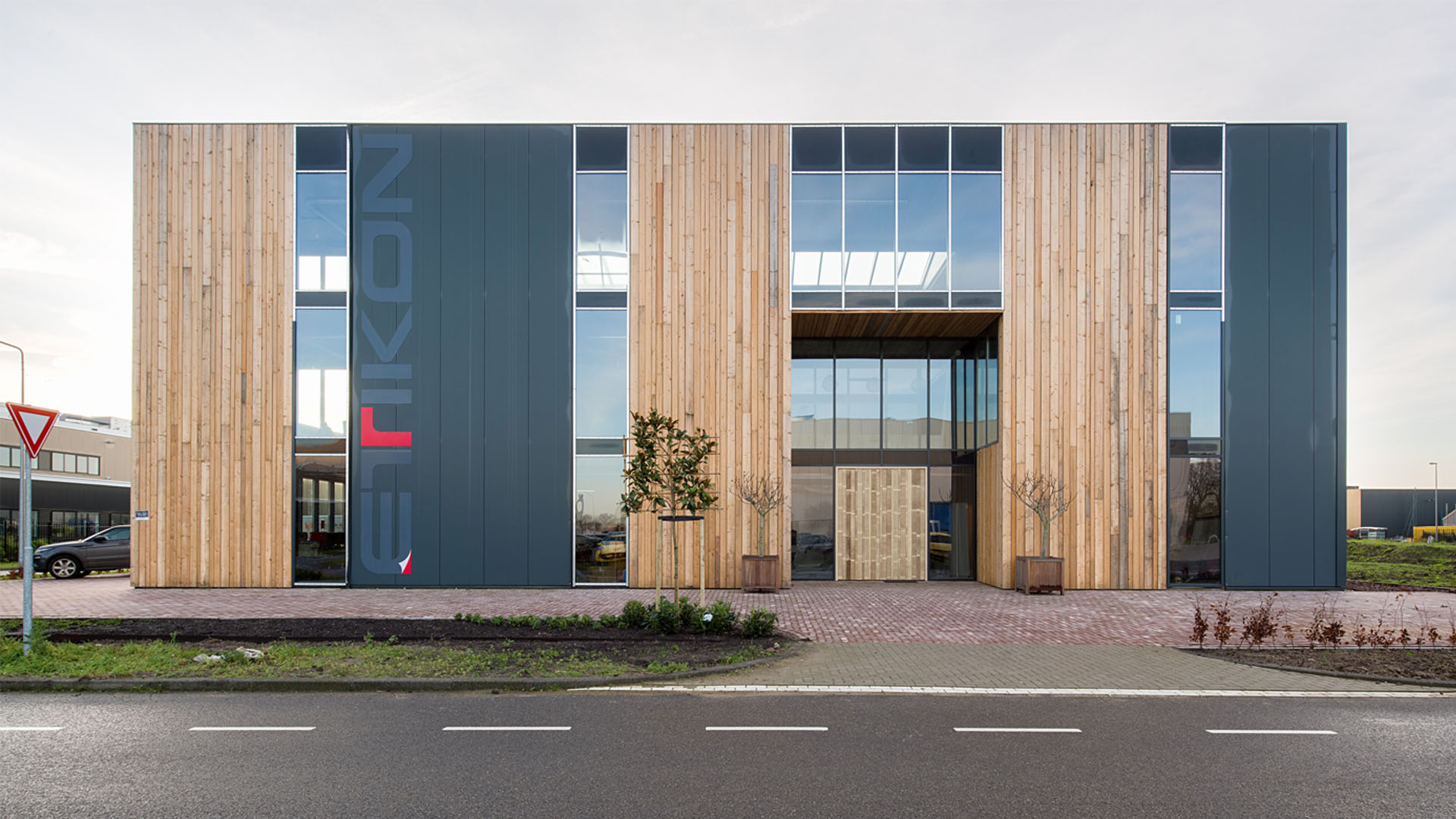 Nieuwbouw bedrijfspand Etikon | Wijnja Groep Bouw & Interieur